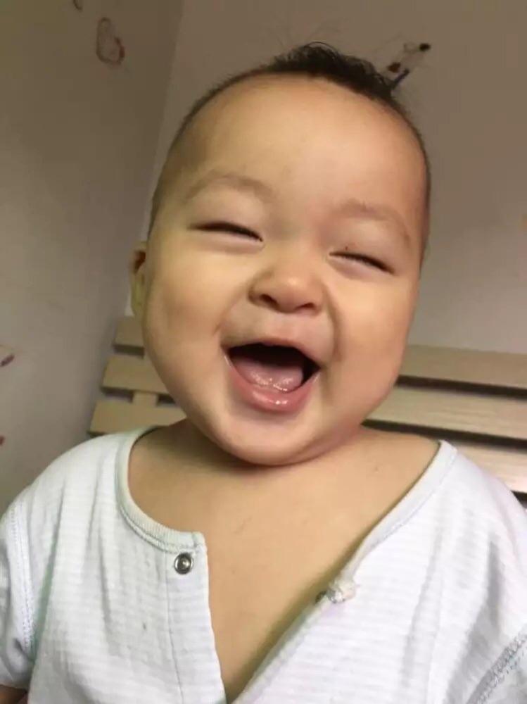 最可爱的宝贝,好多阶段的笑,不过呢笑容始终都属于宝宝独一无二的笑脸